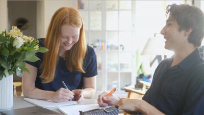 Vi finder den helt rette mentor, som har solid erfaring med at skrive store opgaver